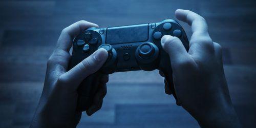 Videojuegos para papá. jugar videojuegos. consola de videojuegos. regalo de navidad