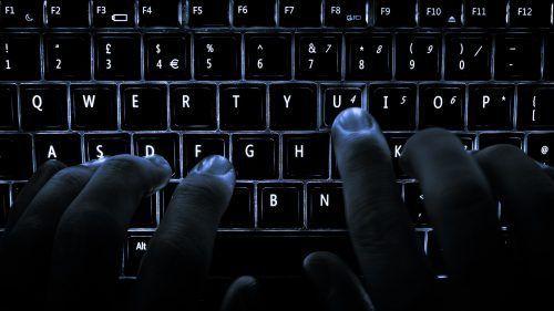 Hackean al periódico Reforma - Ataque hacker - privacidad digital en viajes - que es la dark web - dark web vs deep web - que es la dark web - dark web vs deep web - dark web como entrar - Cómo evitar el phishing. Phishing ejemplos. vuelos baratos a Europa. fake news en méxico. hackeo