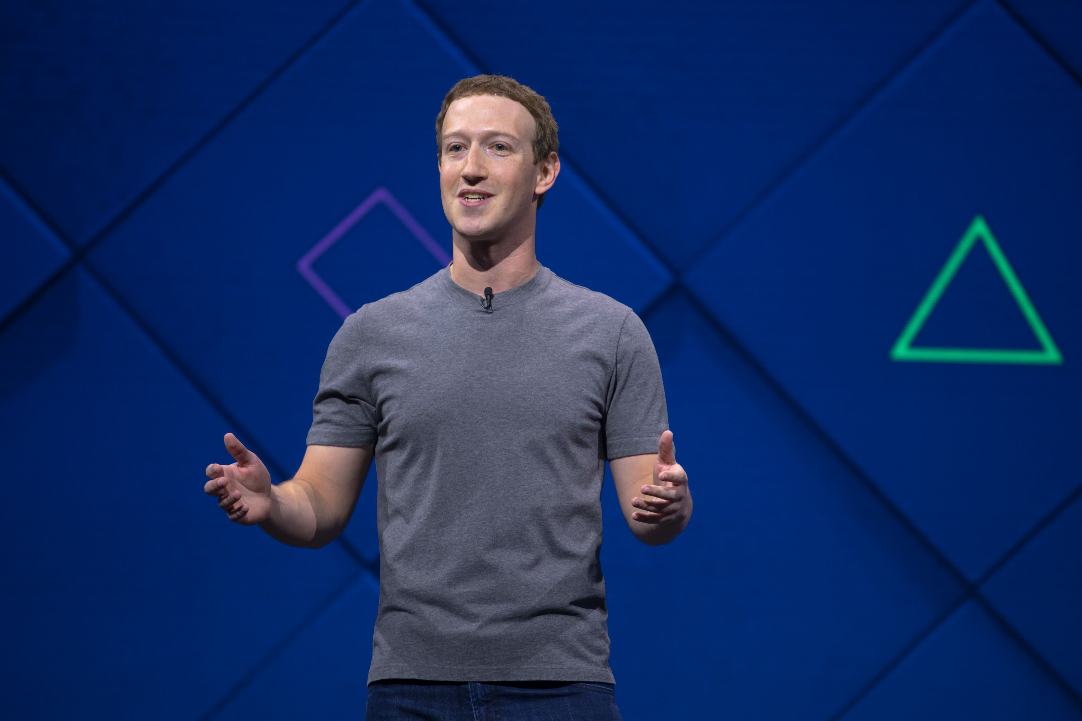 crisis de facebook. pagar por facebook