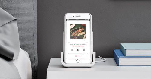 Powered cargador inalámbrico de Logitech cargar el iPhone sin cable