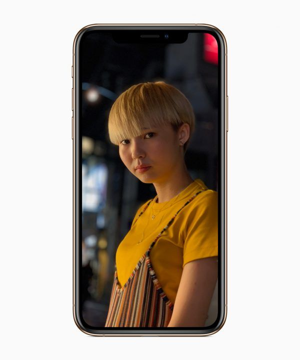 Pixel 3 XL versus iPhone XS Max.