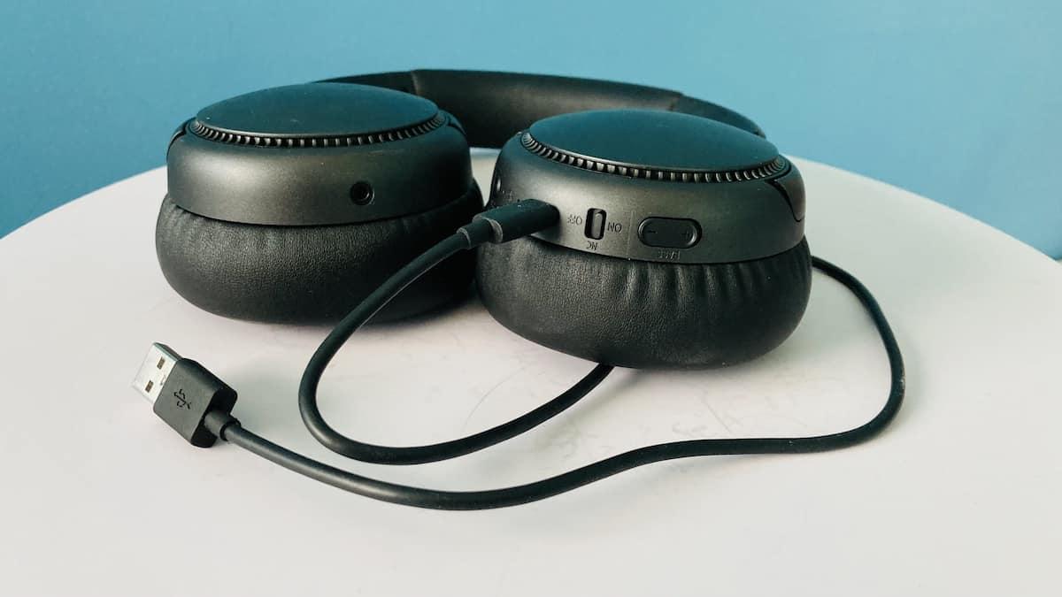 audífonos Panasonic RB-M700B